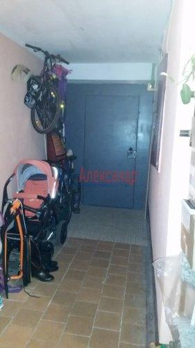 1-комнатная квартира (36м2) на продажу по адресу Стрельна г., Львовская ул., 25— фото 3 из 11