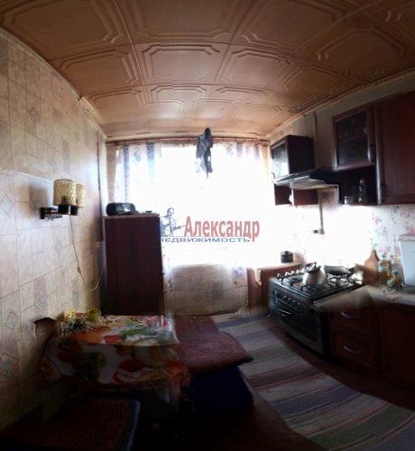 1-комнатная квартира (31м2) на продажу по адресу Путилово село, Братьев Пожарских ул., 33— фото 2 из 5