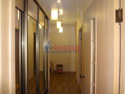 2-комнатная квартира (43м2) на продажу по адресу Пионерстроя ул., 10— фото 2 из 30