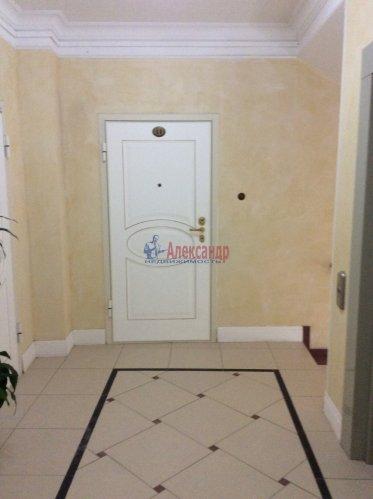 2-комнатная квартира (130м2) на продажу по адресу Профессора Попова ул., 37— фото 6 из 15