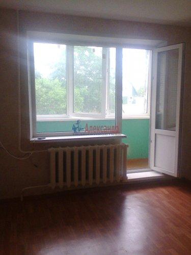 Комната в 2-комнатной квартире (56м2) на продажу по адресу Волосово г., Ленинградская ул., 7— фото 2 из 6