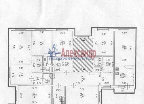 Комната в 6-комнатной квартире (198м2) на продажу по адресу Маршала Новикова ул., 13— фото 9 из 23