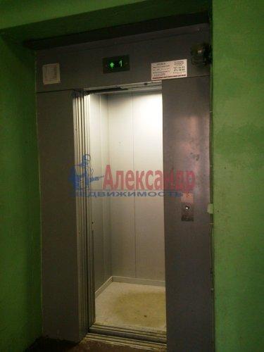 Комната в 12-комнатной квартире (220м2) на продажу по адресу Московский просп., 138— фото 4 из 6