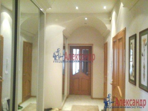 2-комнатная квартира (93м2) на продажу по адресу Боткинская ул., 1— фото 2 из 33