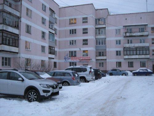 2-комнатная квартира (60м2) на продажу по адресу Волхов г., Советская ул., 10— фото 1 из 14