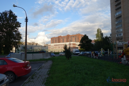 2-комнатная квартира (49м2) на продажу по адресу Металлострой пос., Богайчука ул., 24— фото 7 из 22