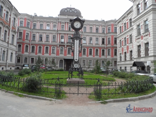 3-комнатная квартира (100м2) на продажу по адресу Моховая ул., 27-29— фото 1 из 19