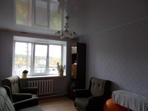 3-комнатная квартира (65м2) на продажу по адресу Тихвин г., Ленинградская ул., 76— фото 3 из 6