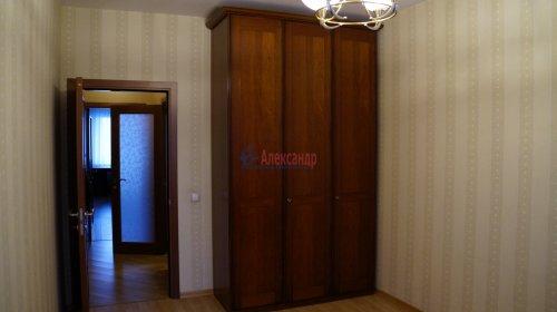 3-комнатная квартира (82м2) на продажу по адресу Варшавская ул., 23— фото 5 из 12