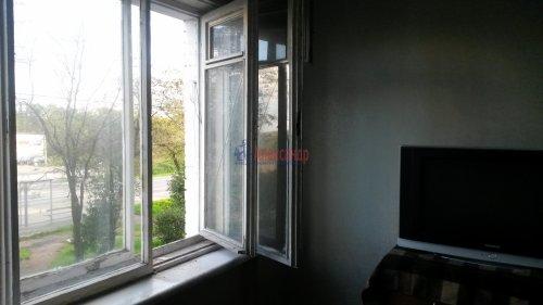 Комната в 3-комнатной квартире (55м2) на продажу по адресу Петергоф г., Ропшинское шос., 4— фото 4 из 6