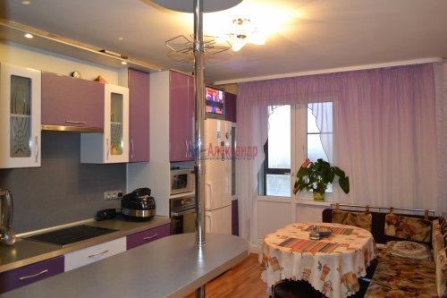 3-комнатная квартира (77м2) на продажу по адресу Маршала Казакова ул., 44— фото 16 из 37