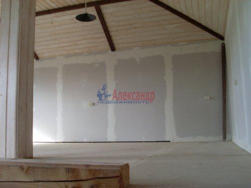 3-комнатная квартира (137м2) на продажу по адресу Кузнечное пгт., Пионерская ул.— фото 10 из 10
