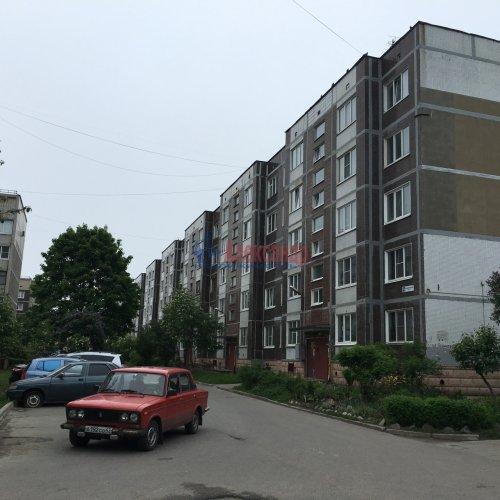 2-комнатная квартира (52м2) на продажу по адресу Приозерск г., Ленинградская ул., 16— фото 1 из 8