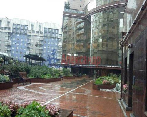 1-комнатная квартира (76м2) на продажу по адресу Большой Сампсониевский пр., 4-6— фото 2 из 14