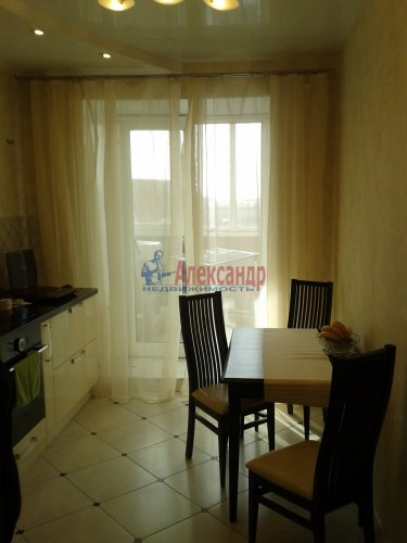 1-комнатная квартира (45м2) на продажу по адресу Учительская ул., 18— фото 5 из 14