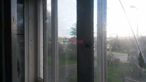 Комната в 3-комнатной квартире (55м2) на продажу по адресу Петергоф г., Ропшинское шос., 4— фото 5 из 6