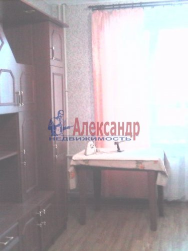 2-комнатная квартира (61м2) на продажу по адресу Оптиков ул., 52— фото 6 из 10