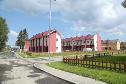 1-комнатная квартира (40м2) на продажу по адресу Коммунар г., Весенняя ул., 11— фото 1 из 12