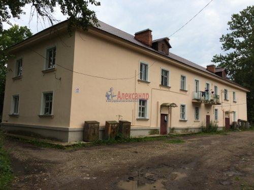5-комнатная квартира (84м2) на продажу по адресу Ульяновка пгт., Левая Линия ул., 49— фото 1 из 13