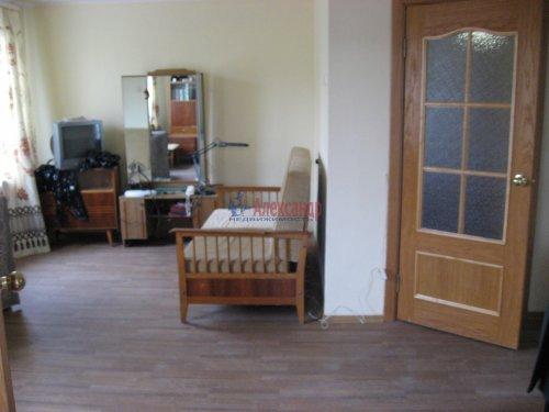 3-комнатная квартира (59м2) на продажу по адресу Шушары пос., Ленсоветовская дор., 3— фото 3 из 11