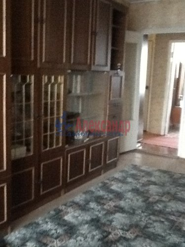 2-комнатная квартира (53м2) на продажу по адресу Коммунар г., Бумажников ул., 3— фото 2 из 7