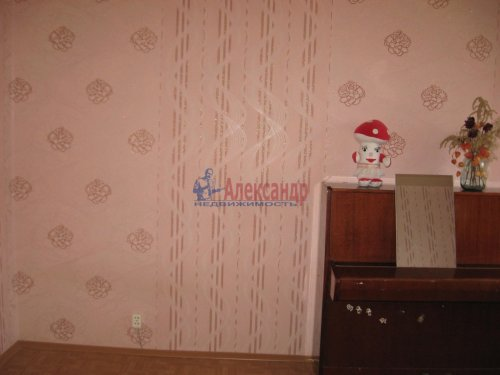 3-комнатная квартира (72м2) на продажу по адресу Лесогорский пгт.— фото 5 из 12