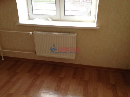 1-комнатная квартира (36м2) на продажу по адресу Юнтоловский пр., 12— фото 2 из 3
