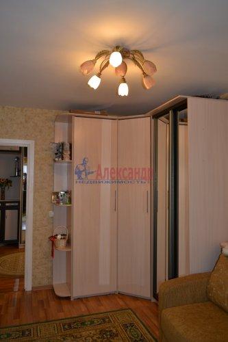 3-комнатная квартира (77м2) на продажу по адресу Маршала Казакова ул., 44— фото 9 из 37