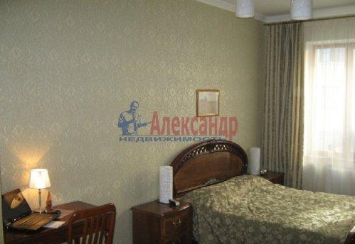 1-комнатная квартира (64м2) на продажу по адресу Новочеркасский пр., 33— фото 2 из 10