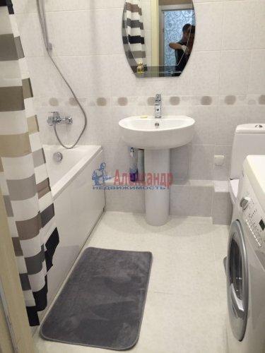 1-комнатная квартира (42м2) на продажу по адресу Свердловская наб., 58— фото 1 из 6