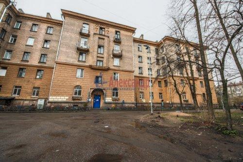 Комната в 9-комнатной квартире (248м2) на продажу по адресу Васи Алексеева ул., 16— фото 14 из 16