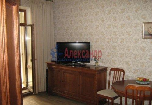 1-комнатная квартира (64м2) на продажу по адресу Новочеркасский пр., 33— фото 6 из 10