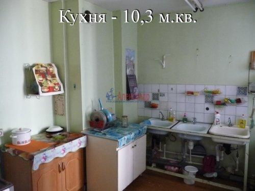 Комната в 6-комнатной квартире (198м2) на продажу по адресу Маршала Новикова ул., 13— фото 16 из 23