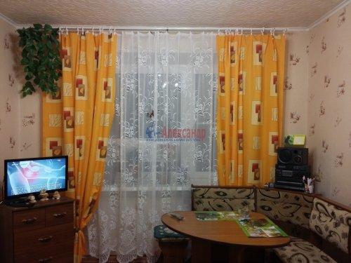 2 комнаты в 16-комнатной квартире (380м2) на продажу по адресу Красное Село г., Гвардейская ул., 25— фото 2 из 9