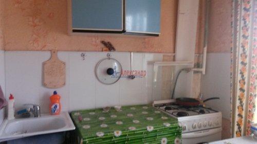 Комната в 3-комнатной квартире (55м2) на продажу по адресу Петергоф г., Ропшинское шос., 4— фото 2 из 6