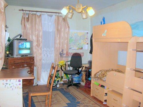 2-комнатная квартира (42м2) на продажу по адресу Павловск г., Мичурина ул., 28— фото 1 из 9