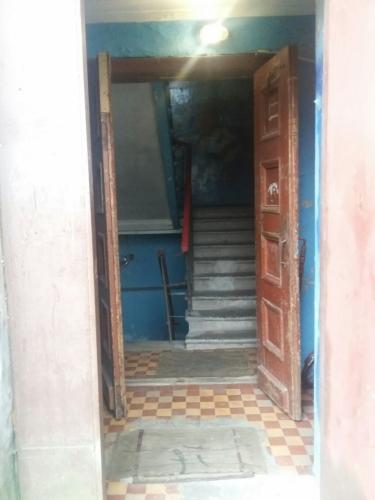 Комната в 4-комнатной квартире (94м2) на продажу по адресу Понтонный пос., Заводская ул., 3— фото 2 из 9
