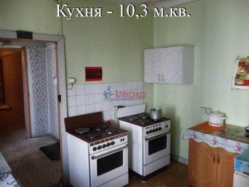 Комната в 6-комнатной квартире (198м2) на продажу по адресу Маршала Новикова ул., 13— фото 17 из 23