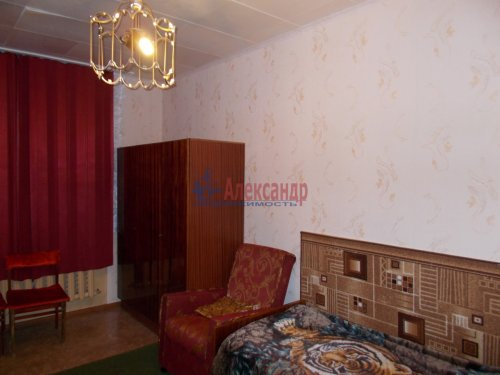 1-комнатная квартира (32м2) на продажу по адресу Тихвин г., 5-й мкр., 26— фото 1 из 2