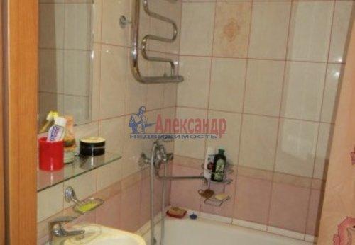 2-комнатная квартира (44м2) на продажу по адресу Коммунар г., Ленинградское шос., 20— фото 2 из 4