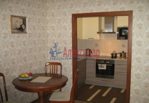 1-комнатная квартира (64м2) на продажу по адресу Новочеркасский пр., 33— фото 1 из 10