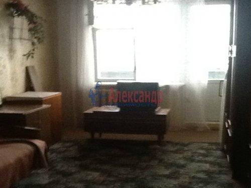 2-комнатная квартира (53м2) на продажу по адресу Коммунар г., Бумажников ул., 3— фото 4 из 8