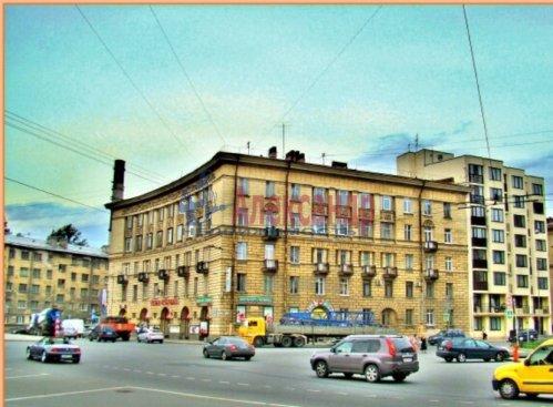 4-комнатная квартира (95м2) на продажу по адресу Кондратьевский пр., 42— фото 1 из 2