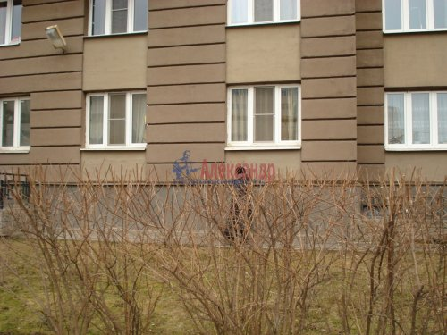 1-комнатная квартира (39м2) на продажу по адресу Оптиков ул., 52— фото 24 из 24