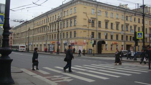 Комната в 3-комнатной квартире (68м2) на продажу по адресу Невский пр., 113/4— фото 12 из 12