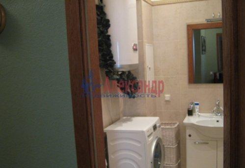 1-комнатная квартира (64м2) на продажу по адресу Новочеркасский пр., 33— фото 9 из 10