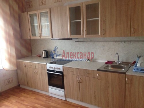 3-комнатная квартира (78м2) на продажу по адресу Парголово пос., Заречная ул., 37— фото 1 из 16