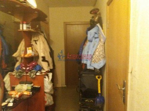 Комната в 3-комнатной квартире (18м2) на продажу по адресу Летчика Пилютова ул., 5— фото 5 из 9