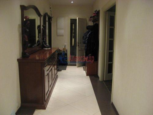 3-комнатная квартира (138м2) на продажу по адресу Пискаревский пр., 37— фото 3 из 24