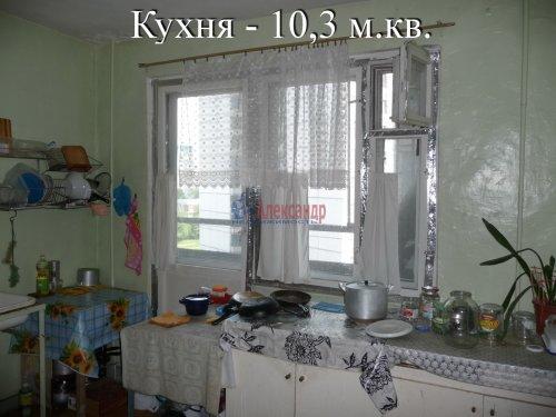 Комната в 6-комнатной квартире (198м2) на продажу по адресу Маршала Новикова ул., 13— фото 18 из 23